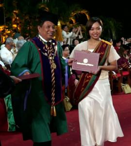 卒業生 畠中麻衣さんがフィリピン国立大学ロスバニョス校獣医学部を卒業