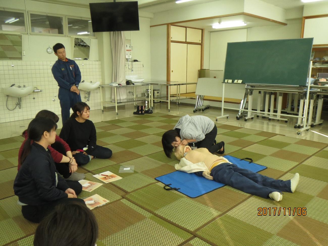2年災害看護(救急救命講習)写真2